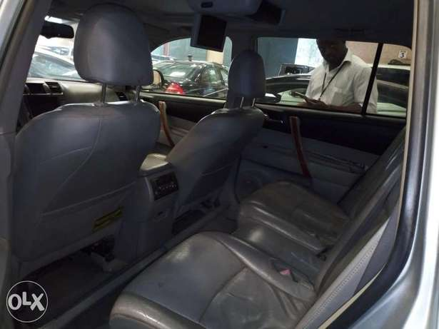 Extremely Clean 2009 Toyota Highlander Full Options Alausa - image 6