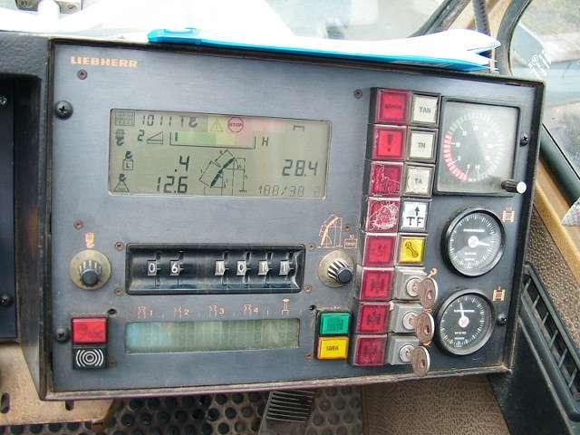 Liebherr LTM 1200 Main Boom 54,5 mtr + Fix jib 22 Luffing jib 63 mtr - 1991 - image 22