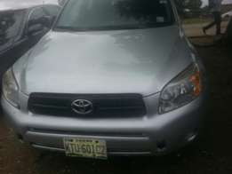 One year used toyota rav4 08 with 3 seater row tincan cleared