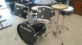 Platin drum full set with piano in mint condition at 160,000ksh
