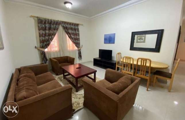 Fully Furnished 2 BHK Flat Near Airport Health Center !