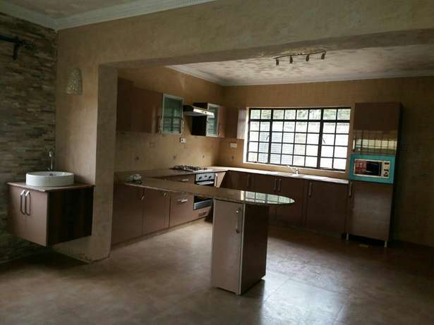 Runda 5 bedrooms townhouse with DSQ at ksh 250,000 Runda - image 3