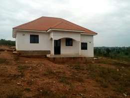 House for sale in gayaza 1km from tarmac at 130m titled.