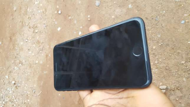 Black factory unlocked black iPhone 7 plus 32gb for sale for low price Saki West - image 6