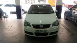 2004 Vw polo 1.6 white in color 75000km R80,000 for sale