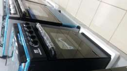 Oven& Grill Nasco 4 Burner Gas Cooker with Oven.