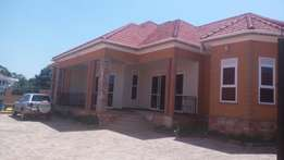 4 bedroomed house for sale in kira mamerito road at 550M