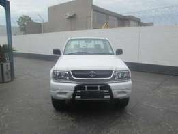 Toyota Hilux 2700i for 52,000