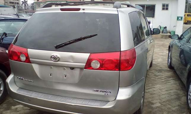 2007 Toyota Sienna Toks For Sale!!! Lagos Mainland - image 3