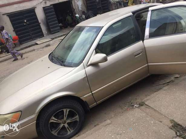Toyota Camry Tiny Light for sale Mushin - image 6