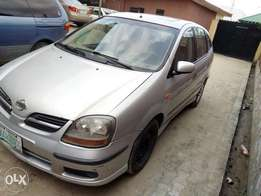 Clean Nissan Almera Tino 2003 in a super working condition.