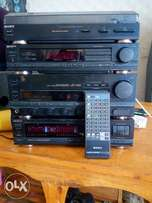Sony hifi old skool music system, it contain the set of 5 deck,