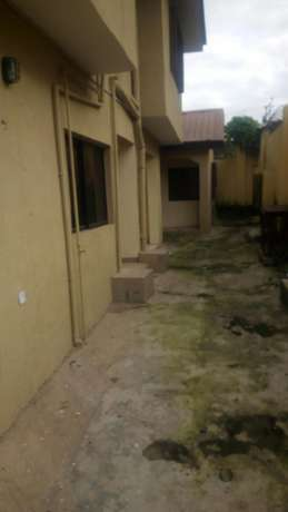 Newly renovated fully detached 3 bedroom bungalow for rent in Wuse 2 Wuse II - image 1