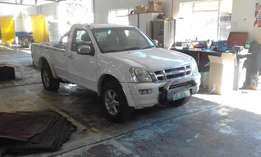 Isuzu 300 LX for sale (2004)