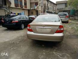 Fresh Tokunbo 2003 Toyota Camry V6 (Lagos cleared) for quick sale