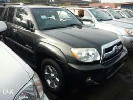 For sale. Toks 2008 Toyota 4runner. 2row seat