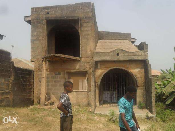 Uncompleted building Lagos Mainland - image 1