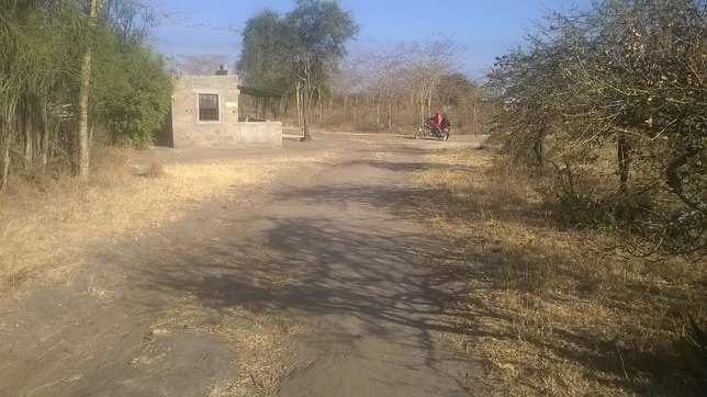 SPECIAL OFFER FOR YOU a 50X100 Plot With Title at Muthwani,Lukenya Athi River - image 3