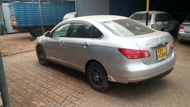 Must go for this claen bluebird sylphy unit Runda - image 3