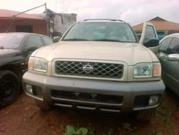 Clean Nisan pathfinder 4sale