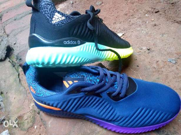 Adidas alpha bounce, A neutral running shoe with breathable light weit Kampala - image 1