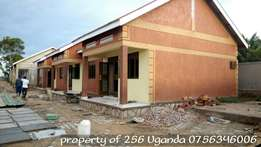 Colourful 2 bedroom house at 500k