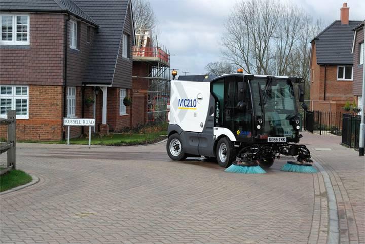 Mathieu automaturatoare capacitate medie  - mc 210 road sweeper