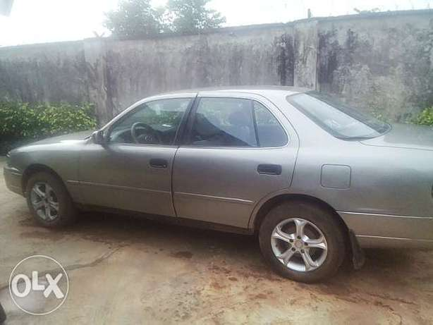 NEATLY USED TOYOTA CAMRY ,aka orobo for quick sale Ijebu Ode - image 2