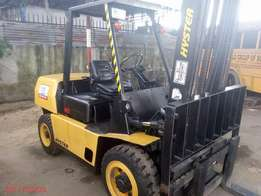 Forklift (Hyster 4tonnes) for sale in PH
