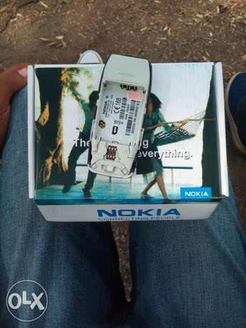 Old Model Nokia 3310 selling at 1500/-.Delivery within CBD Nairobi CBD - image 3