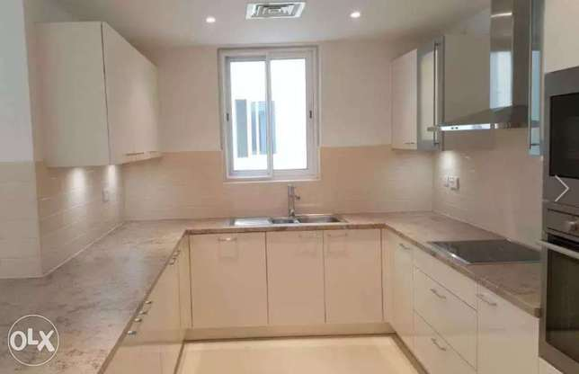 Apartment in waves in Liwan ( LUXURY) In front of Kempinski لوى -  3