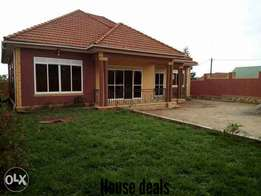 Another deal on house in kyaliwajala for sale