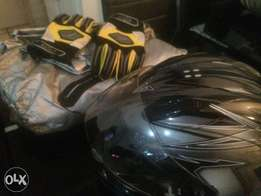 Bike helmet and gloves