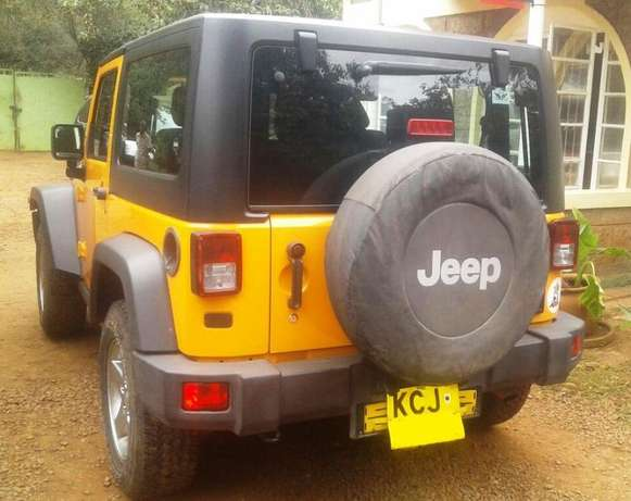 2012 Jeep Wrangler, manual 6-speed 3.6L petrol, super clean condition Karen - image 2