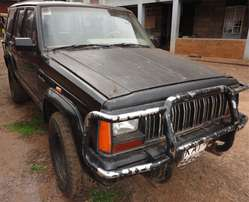 Jeep Cherokee 4x4 V6 6 Speed Manual
