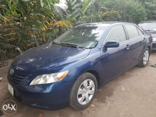 08 Toyota Camry LE ( First Body) Surulere - image 4