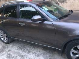 Barely used Infiniti FX 2004 model