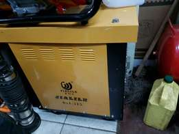Welding machine 315 amp brand new to clear stock