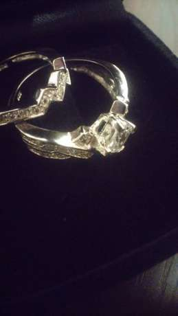 Princess cut stone 2 pc brand new solid silver ring.size 7. Johannesburg - image 5