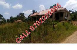 Refurbished 30 decimals plot for sale in Jinja-Misindye at 90m