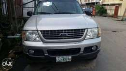 Ford Explorer 2006 with AC and CD Player