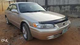 First body 2000 Toyota Camry tiny light in excellent condition