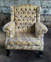 Accent chair/Wing chair