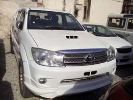 Double cabin Toyota hilux 3ltr,2009 model on sale.
