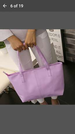 Shoulder bag for 500 and get a FREE gift Midrand - image 4