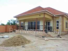 Outstanding fully equipped banglow in kira at 300m