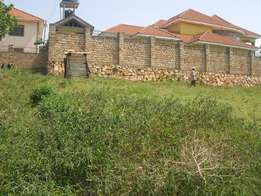 A nice plot(100x100ft) on sale in kyanja-komamgoga near tarmac at 90m
