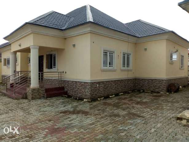 A Well furnished 3 Bedroom Bungalow For Sale Abuja - image 1
