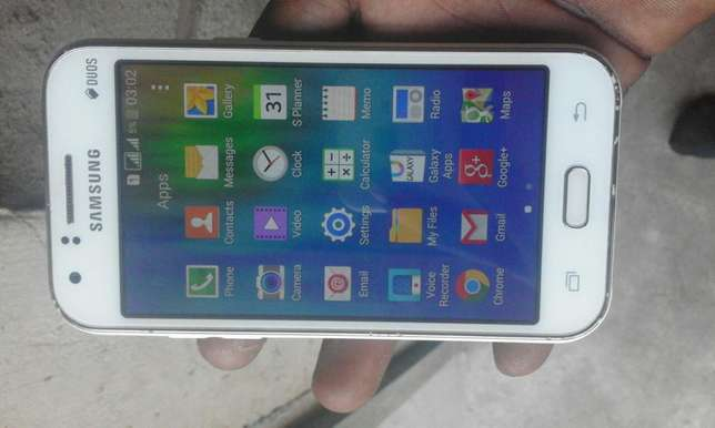 A good offer on samsung galaxy j1 phone..duo sim Nairobi CBD - image 1