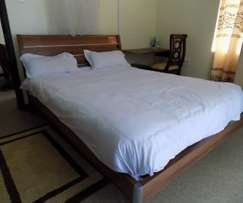 One bedroom fully furnished to let Near Kenmosa at Ksh. 2000 per day.